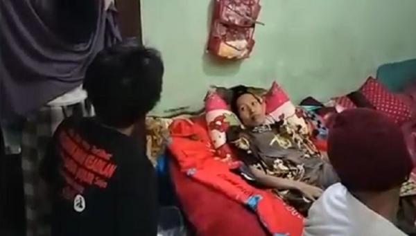 Kisah Haru 2 Bocah Rawat Ibu Penderita Kanker Payudara di Bali, Warga Bantu Galang Dana