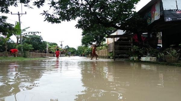 Sungai Cikeruh Meluap, Permukiman Warga di Blok Loji Majalengka Terendam