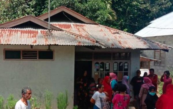 Warga Padang Geger, Ibu Muda Ditemukan Tewas Tergantung Kabel Listrik