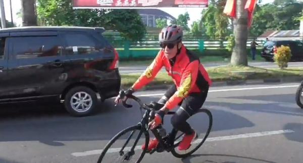 Yasonna dan Bobby Nasution Gowes Bersama Kader PDIP di Sumut, Tempuh Jarak 13,8 Km