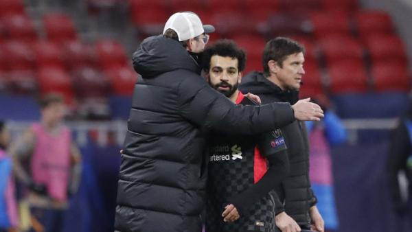 Jurgen Klopp Bujuk Mohamed Salah Bertahan di Liverpool