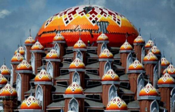 Terbengkalai, Pemkot Makassar Ambil Alih Proyek Masjid 99 Kubah