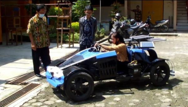 Keren, Siswa SMA Muhammadiyah Gombong Ciptakan Prototipe Mobil Tenaga Surya