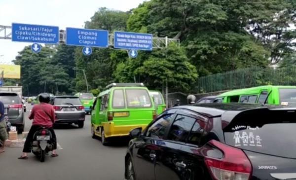 Video Akhir Pekan Pertama Ditiadakan Aturan Ganjil Genap di Bogor