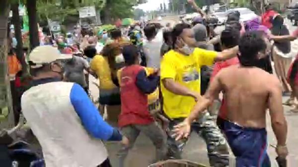 Warga Jemput Paksa Jenazah Pasien Probable Covid, 1 Anggota Polres Terluka