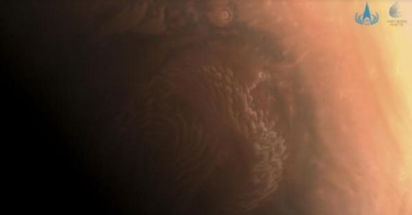 Pesawat Luar Angkasa China Kirim Foto Mars dalam Jarak Dekat
