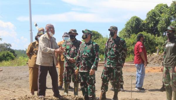 TMMD Ke-110, Warga Long Hubung Sumbangkan Tanah untuk Pos Ramil Kodim 0912/Kubar