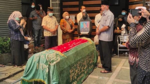 Mantan Kajati Sumbar Tutup Usia, Dimakamkan di Padang