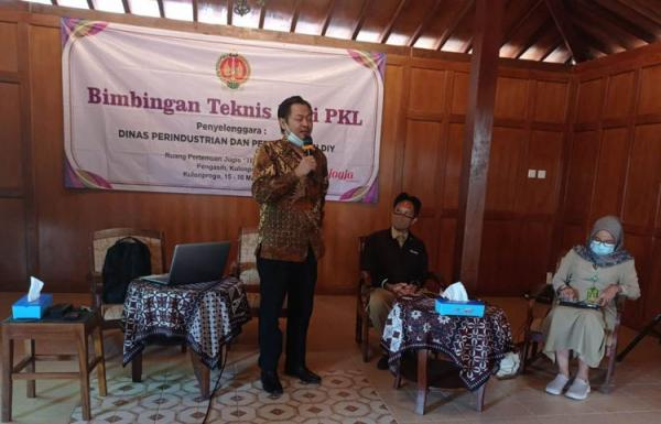 Dibantu Gerobak Angkringan, PKL di Kulonprogo Ikuti Bimtek Kewirausahaan