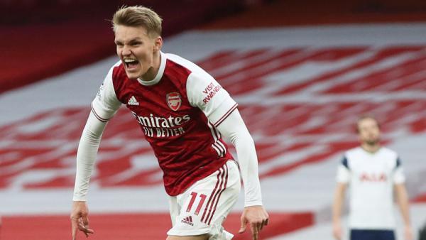 Arsenal Ingin Pertahankan Martin Odegaard