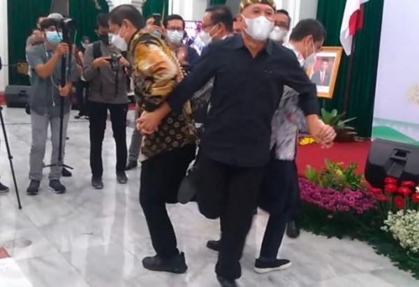 JaFest 2021, Menteri UMKM Teten Masduki Main Perepet Jengkol di Gedung Sate