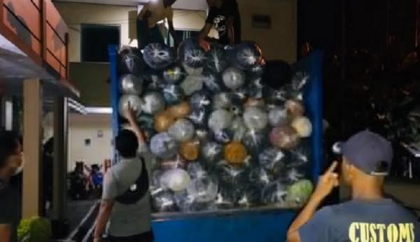Bea Cukai Gagalkan Penyelundupan Ribuan Bal Tekstil Impor di Pangkalbalam