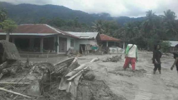 Banjir Lumpur Terjang Desa Beka Kabupaten Sigi, 292 Warga Mengungsi