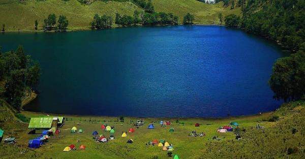 Pendakian Gunung Semeru Dibuka Hari Ini, Indahnya Menikmati Ranu Kumbolo yang Eksotis