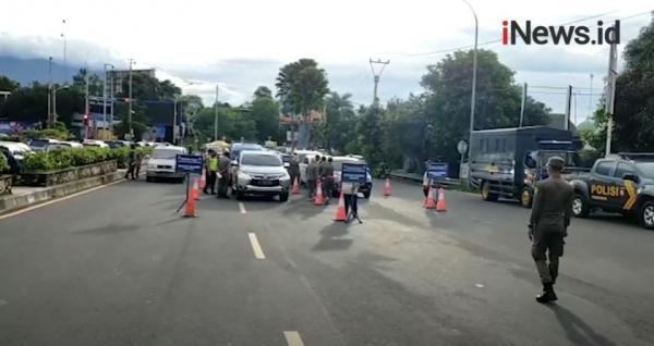 Video Ratusan Kendaraan Menuju Puncak Diputar Balik karena Tak Bisa Tunjukkan Surat Hasil Rapid Antigen