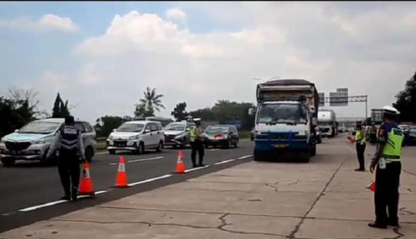 Dilarang Masuk Tol, Kendaraan Besar Nonmedis Dialihkan ke Jalur Pantura
