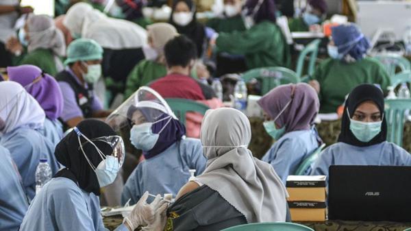 Ribuan Guru Madrasah di Mataram Mulai Dijadwalkan Vaksinasi Covid-19