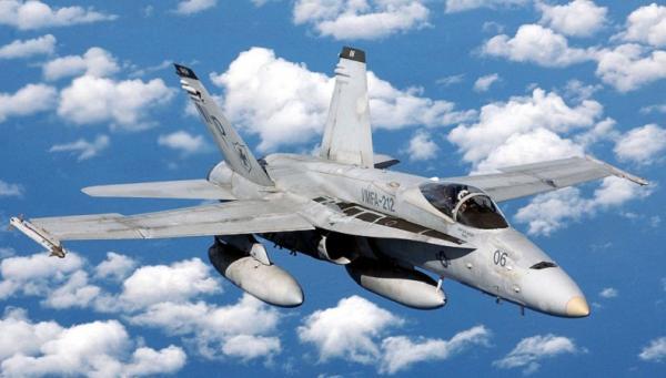 Pesawat Militer Milik Angkatan Laut Jatuh, 2 Pilot Luka 3 Rumah Rusak