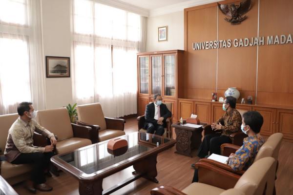 Kunjungi UGM, Dubes India Tawarkan Kerja Sama Pendidikan dan Beasiswa