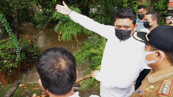 Bobby Nasution Minta Kadis Kebersihan dan Pertamanan Medan Atasi Sampah Sungai Deli