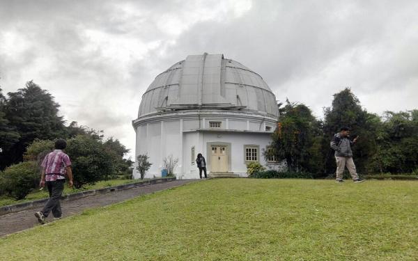 Pandemi, Peneliti Observatorium Bosscha Lakukan Pengamatan Hilal Tertutup