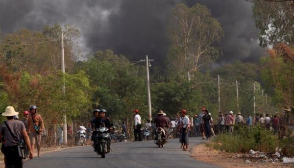 Korban Tewas Demonstrasi Myanmar Tembus 700 Orang, Kantor Bank Milik Militer Dibom