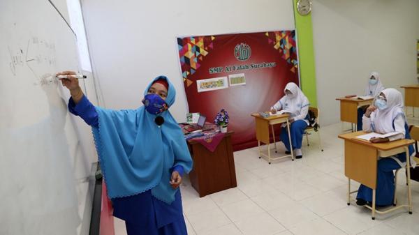 SMP Al Falah Surabaya Gelar Simulasi Pembelajaran Tatap Muka