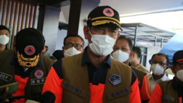 Cerita Kepala BNPB Soal Ketua RT di NTT Selamatkan Warga dari Banjir Bandang