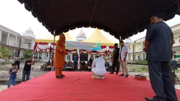 Berzina, Oknum PNS dan Honorer di Aceh Tamiang Dicambuk 100 Kali