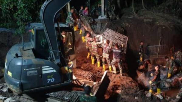 Cerita Pasukan Zeni TNI AD, Bangun Jembatan untuk Hubungkan 2 Desa di Bima