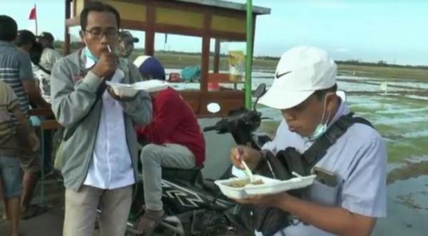 Bagikan Nasi Goreng, Tradisi Unik Warga di Desa Ini Jelang Ramadan