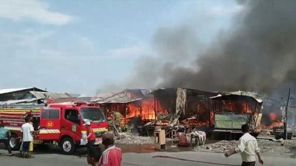 10 Rumah Ludes Terbakar di Medan, Api Diduga dari Kulkas yang Meledak