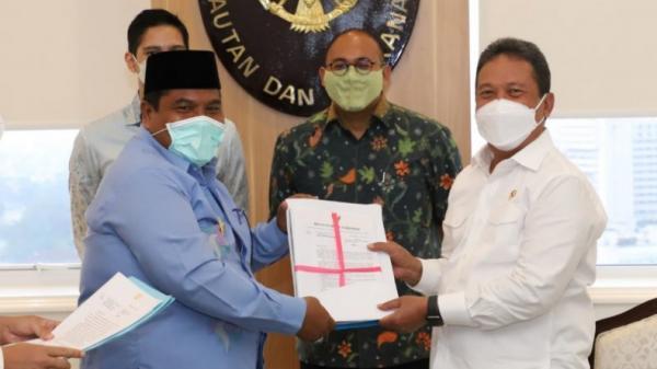Bahas Kelautan dan Perikanan, Bupati Padang Pariaman Temui Menteri Trenggono