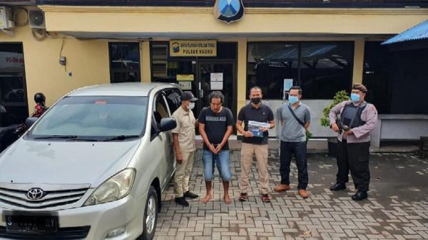 Pemilik Salat Subuh, Truknya di Parkiran Masjid Diobok-Obok Pemuda Pengangguran