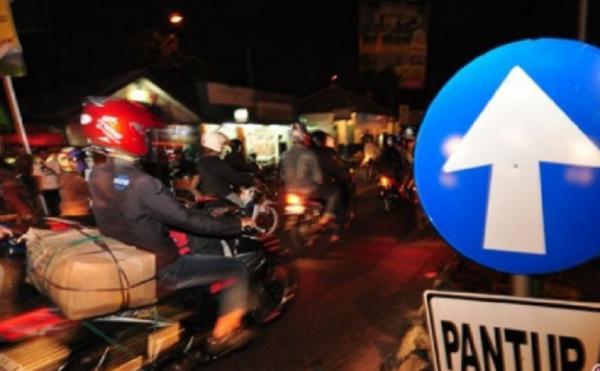 Cegah Mudik, Polda Metro Jaya Awasi Truk dan Travel Nakal