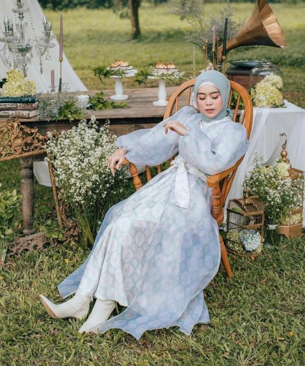 Dikenal Modis, Lesty Kejora Dipinang Brand Fashion Lokal