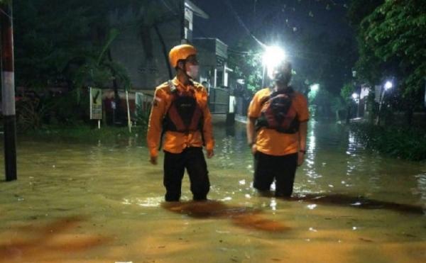 Sungai Cikambuy di Lebak Meluap, Belasan Rumah Terendam Banjir