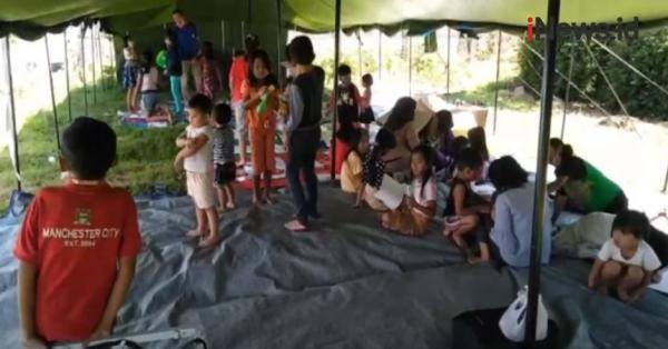 Video Anak-Anak Korban Gempa di Malang Ikuti Trauma Healing di Pengungsian