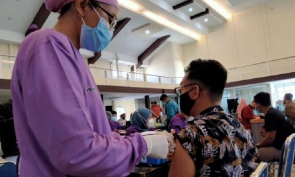 Terus Digeber, Vaksinasi Massal di Kota Pontianak Capai 2.128 Orang