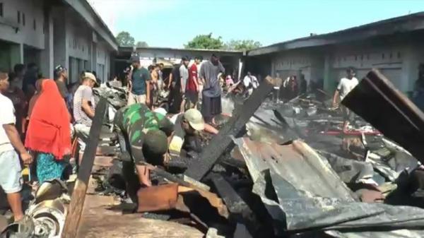 Puluhan Kios di Pasar Campalagian Polewali Mandar Terbakar, Diduga karena Petasan