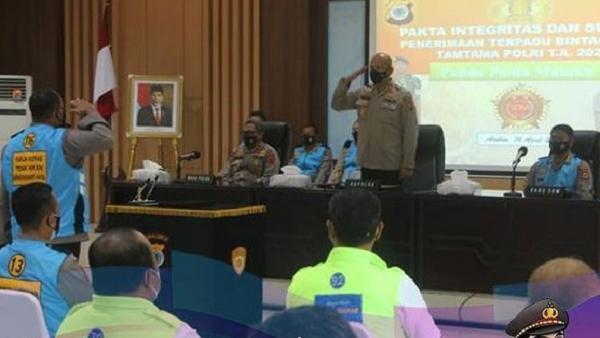 Panitia Daerah Penerimaan Bintara dan Tamtama Polda Maluku Tanda Tangani Pakta Integritas