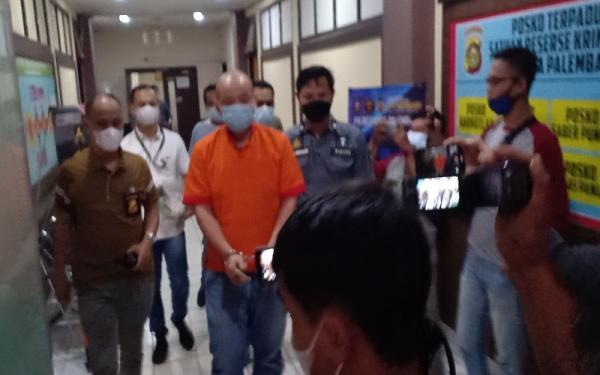 Jason Tjakrawinata, Penganiaya Perawat RS Siloam Palembang Meminta Maaf dengan Tangan Diborgol