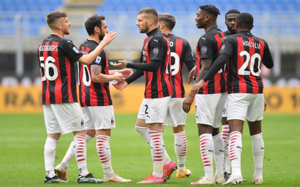 Dibantu Gol Bunuh Diri, AC Milan Bungkam Genoa dan Akhiri Paceklik di San Siro