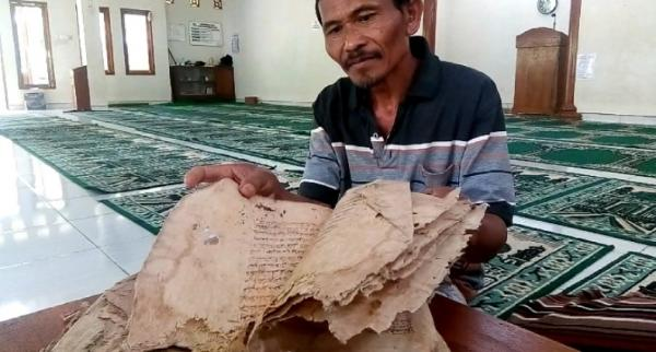 Alquran Tulisan Tangan Berusia 2 Abad, Jejak Sejarah Penyebaran Islam Di Lereng Gunung Lawu