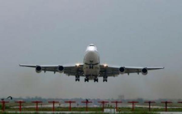Covid-19 Melonjak, Penerbangan dari dan Menuju India Dibatasi
