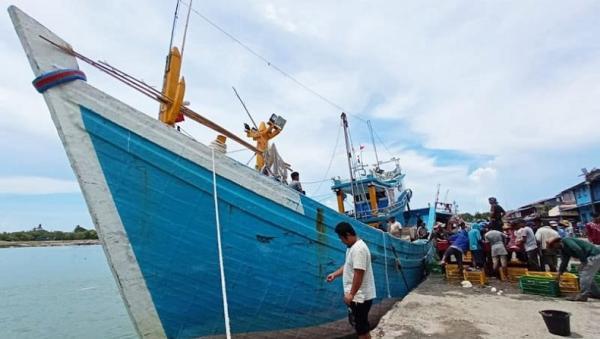 Cuaca Buruk di Selat Malaka, Ratusan Kapal Nelayan di Aceh Timur Tak Bisa Melaut