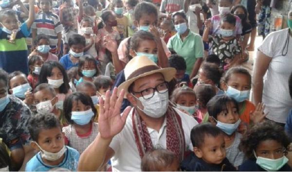 Ridwan Kamil Hibur Anak-Anak Korban Bencana di NTT dan Beri Bantuan Rp1 Miliar