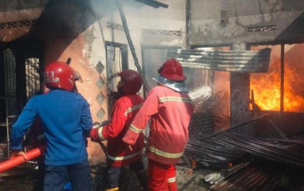 Rumah Penyimpanan BBM Ilgal di Jambi Terbakar, 2 Orang Luka-Luka
