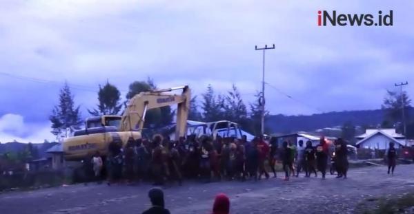 Video Tradisi Bakar Honai di Ilaga Digelar, Situasi Puncak Sudah Aman