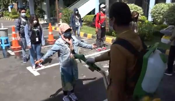 Usai Karantina di Asrama Haji Sukolilo, 5.038 Pekerja Migran Sudah Dipulangkan